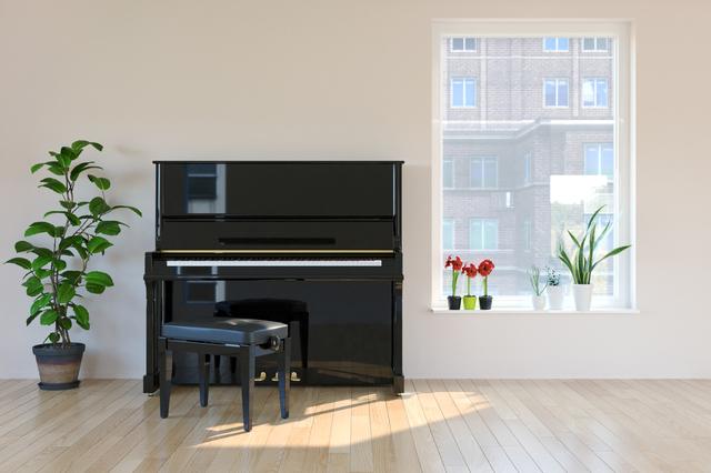 窓際のピアノ
